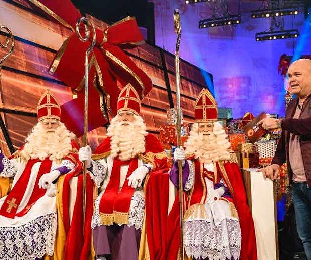 De TV van gisteren: Paul de Leeuw wint op nippertje Sinterklaasstrijd