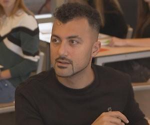 6 vragen aan Özcan Akyol