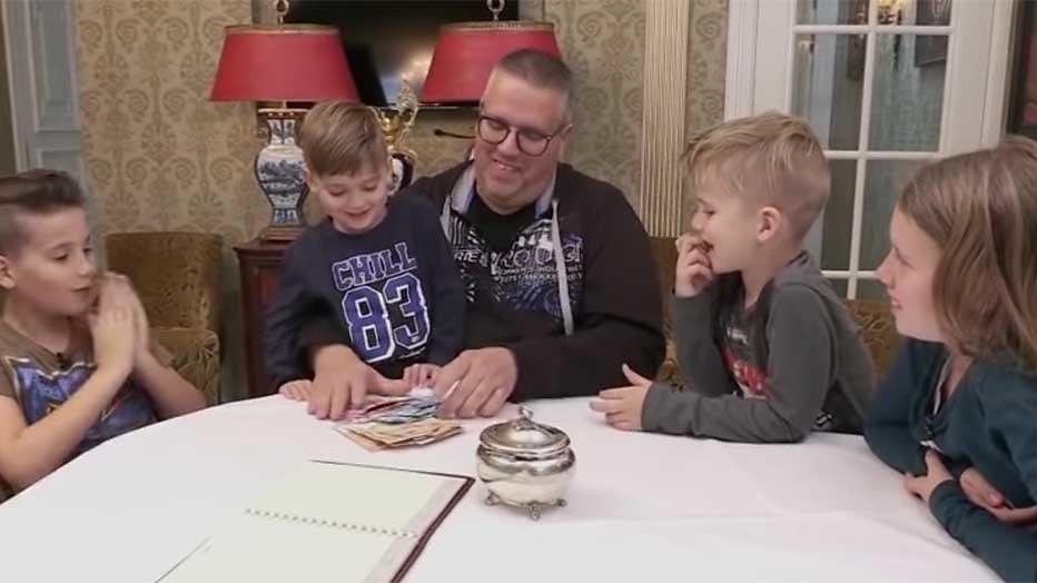 Kijkers zamelen geld in voor familie uit Steenrijk, Straatarm