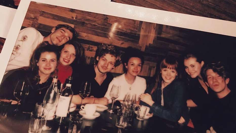 Cast van Nieuwe Tijden komt samen na overlijden Désirée