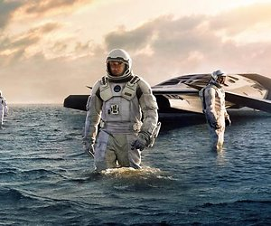 Interstellar - Matthew McConaughey gaat de ruimte in