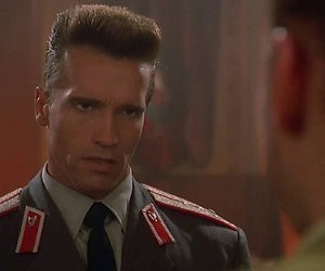 Red Heat: Schwarzenegger voert koude oorlog