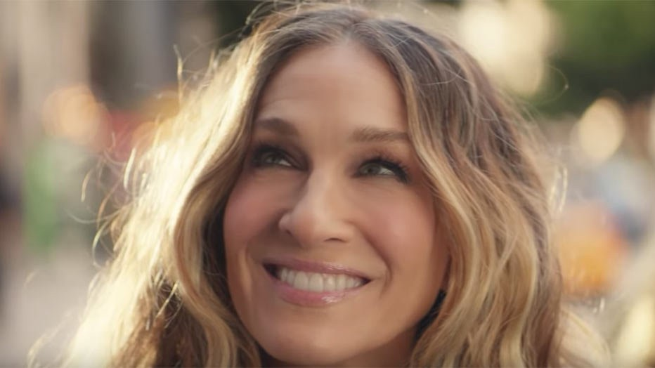 Videosnack: Carrie Bradshaw is terug!