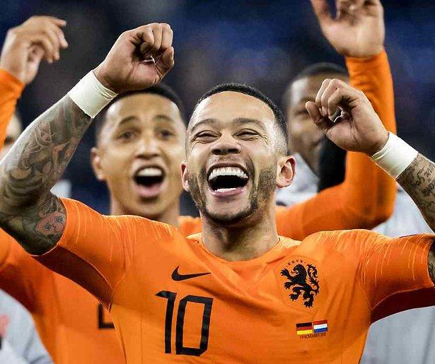 De TV van gisteren: Oranje naar finaleronde