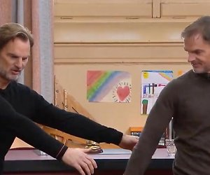 Videosnack: Ronald en Frank de Boer proberen de swish swish