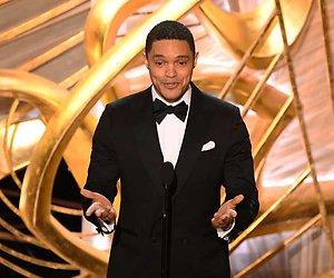 Trevor Noah houdt hele zaal Oscars voor de gek