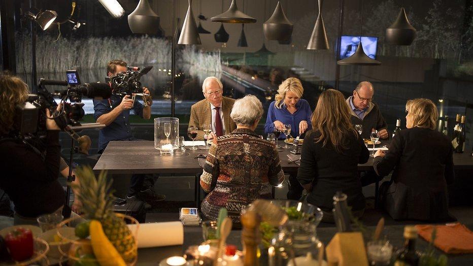 Kijktip: Dionne Stax praat met oud-nieuwslezers in Villa NOStalgia