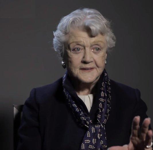 Angela Lansbury (92) vindt dat vrouwen deels schuldig zijn aan seksueel geweld