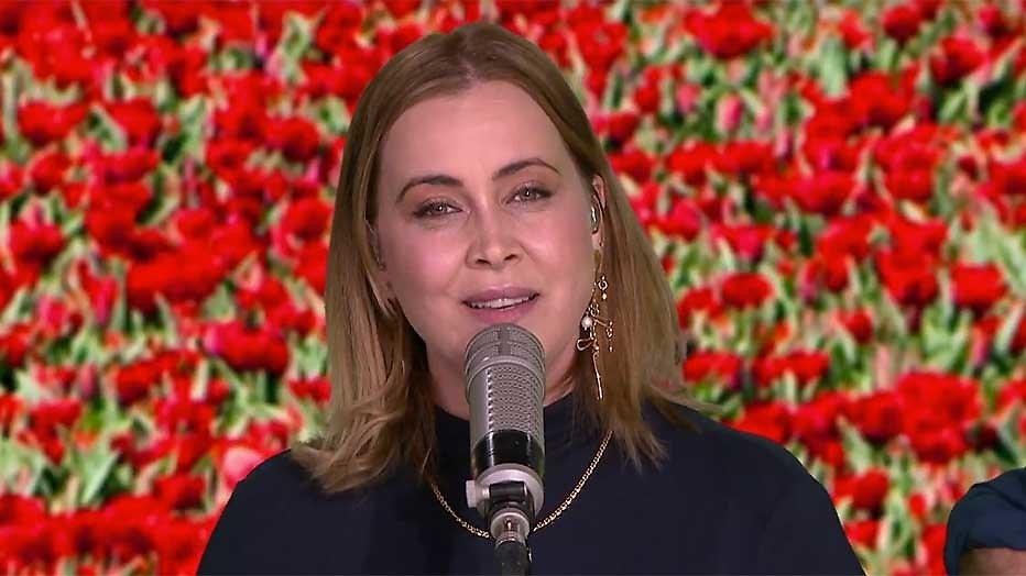 Anouk presenteert nieuwe single tijdens RTL Weer