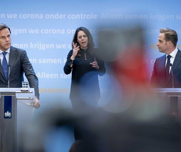 De TV van gisteren: Versoepeling coronamaatregelen trekt Nederlanders voor de buis