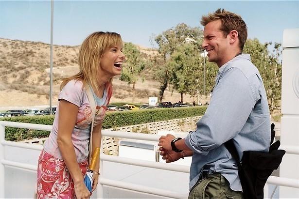 Sandra Bullock stalkt Bradley Cooper