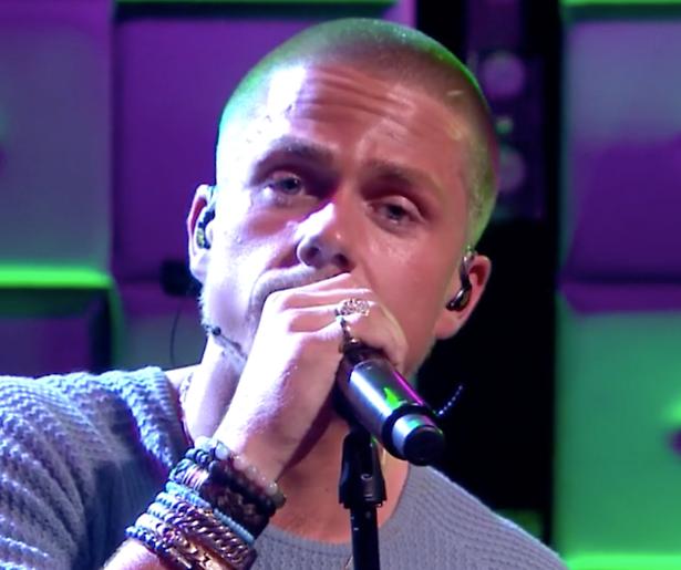 Videosnack: André Hazes zingt Humberto vaarwel