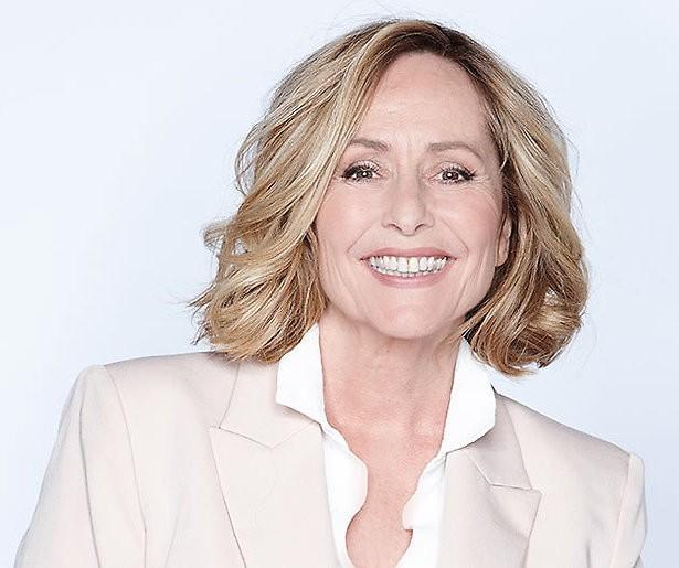Angela Groothuizen ziet zichzelf zonder make-up en lacht zich rot