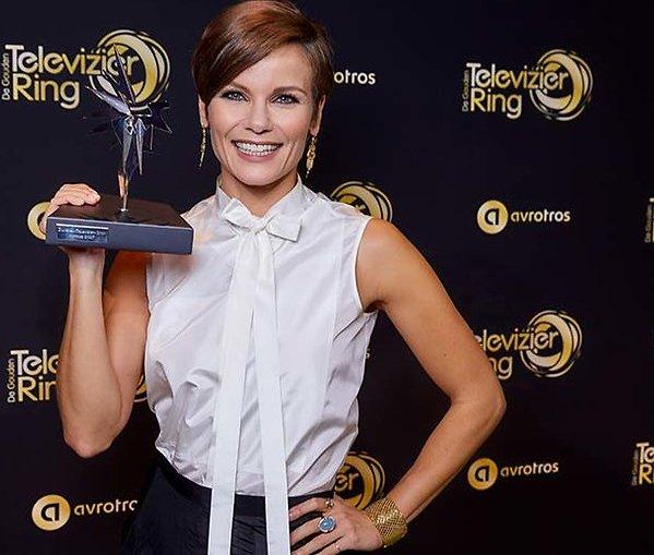 Zilveren Televizier-Ster Actrice voor Angela Schijf