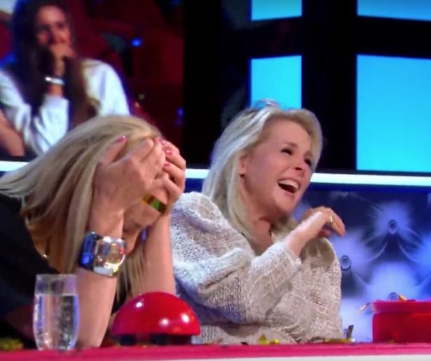 Videosnack: Angela geeft per ongeluk golden buzzer