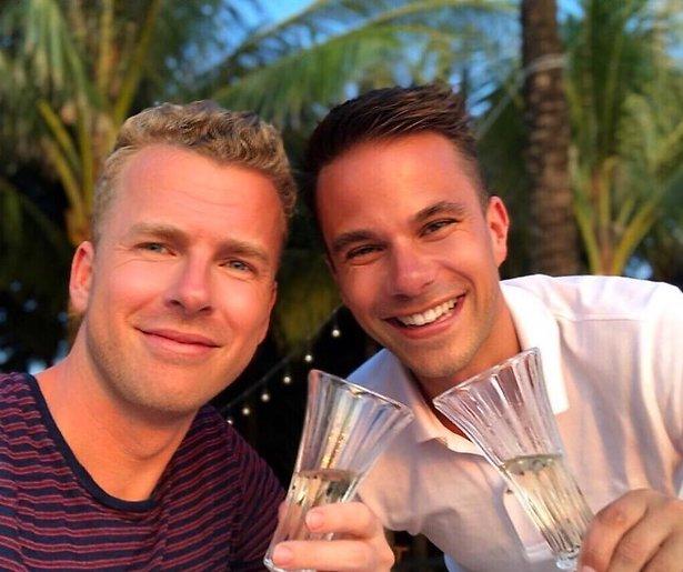 RTL Boulevard-reporter Aran Bade vraagt vriend ten huwelijk