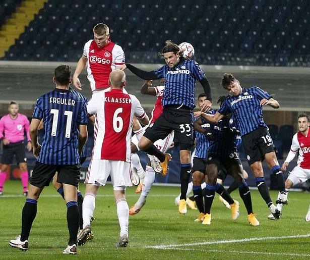 De TV van gisteren: Ajax trekt veel kijkers naar SBS6