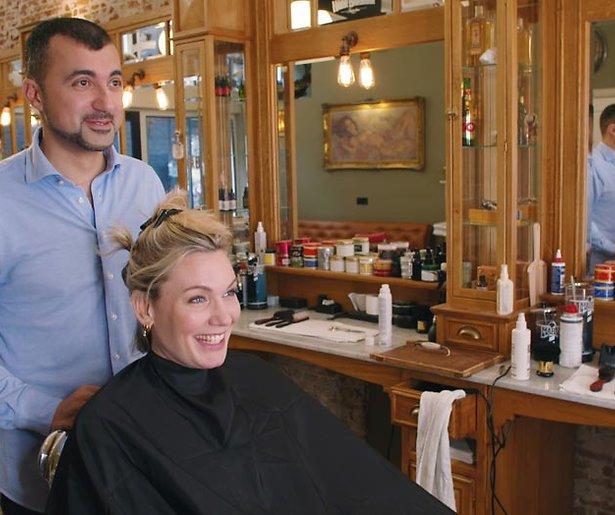 Özcan Akyol neemt schaar weer ter hand in nieuw seizoen De geknipte gast