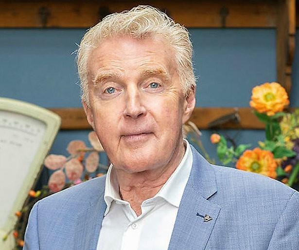 André van Duin blijft zichzelf in Heel Holland Bakt Kids
