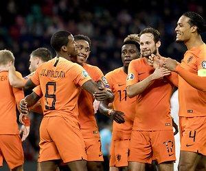 De TV van gisteren: Nederlands elftal verslaat concurrentie op zondagavond