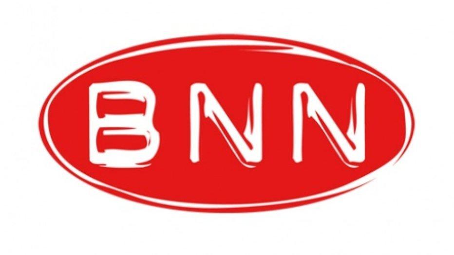 Nieuwe BNN-datingshow begint met heftig tongzoenen