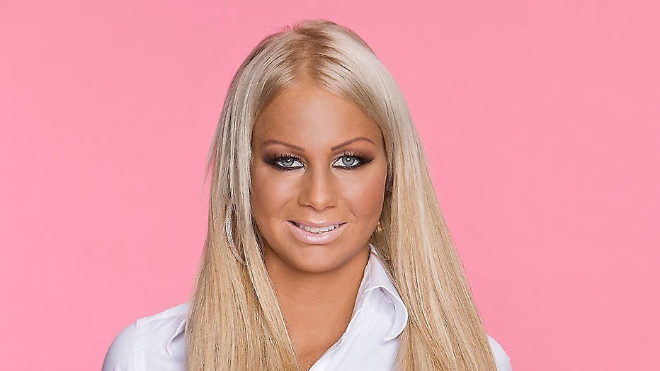 Barbie opgenomen in ziekenhuis
