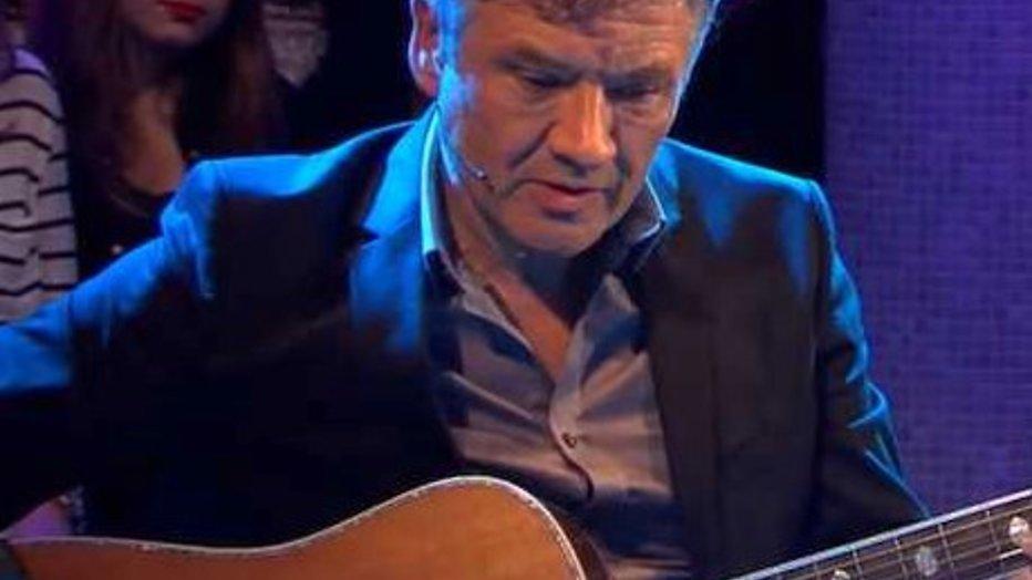Vlaamse Bart Peeters zingt ontroerend nummer voor Brussel