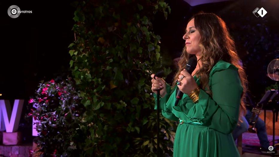 Videosnack: Trijntje Oosterhuis zingt Kom Maar Bij Mij bij Beste Zangers
