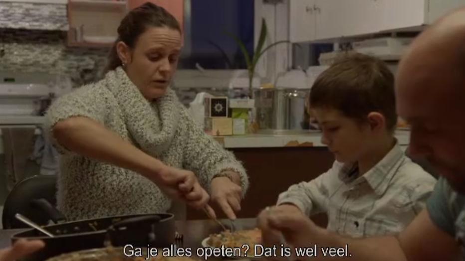 Boer zoekt vrouw: Eline verleidt kinderen boer Riks met hutspot