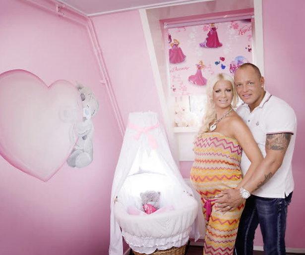 Barbie bevallen van een jongetje