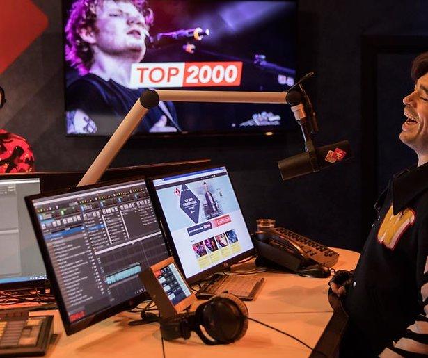 NPO Radio 2-dj Bart Arens steunt Nederlandse artiesten in coronatijd