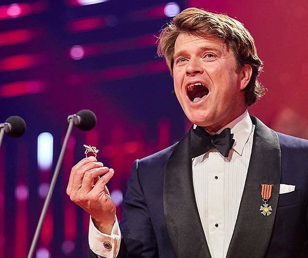 De TV van gisteren: Dik 2.2 miljoen zien Beau de Gouden Televizier-Ring winnen
