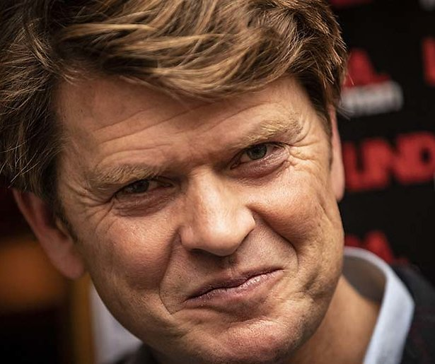 Het is officieel: Beau van Erven Dorens is de nieuwe late night-presentator van RTL