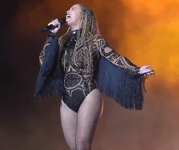 Videosnack: Beyoncé geeft legendarisch optreden op BET Awards 2016