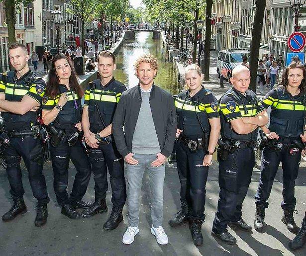 Bureau Burgwallen weg uit Amsterdam
