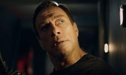 Jean-Claude Van Damme zit vast in een onderzeeër
