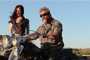Mel Gibson helpt zijn dochter