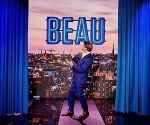 Videosnack: Beau krijgt oorkonde!