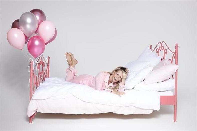 Chantal zorgt voor verrassingen in Chantals pyjama party