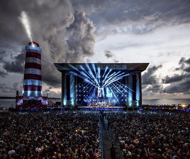 Kijktip: Concert at Sea 2015 aan de Zeeuwse kust