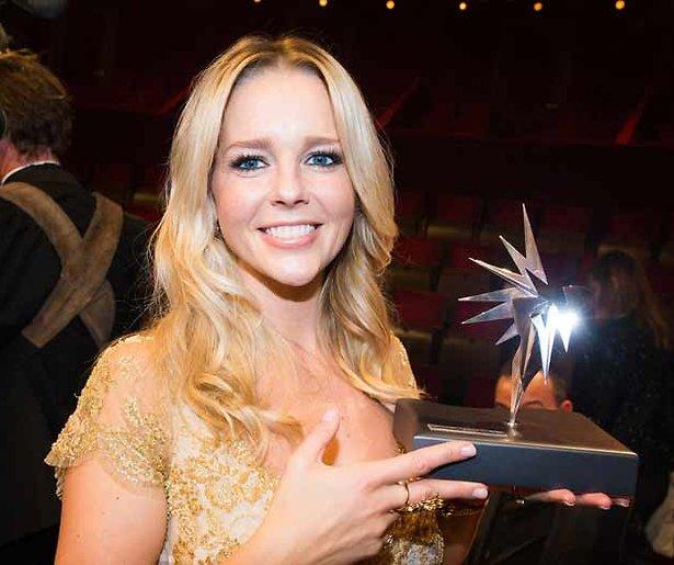 Chantal Janzen wint Zilveren Televizier Ster Vrouw 2015