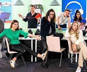 Met BN'ers aan de telefoon in Celebrity Call Centre