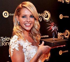 Chantal Janzen wint Zilveren Televizier-Ster 2016 voor beste presentatrice