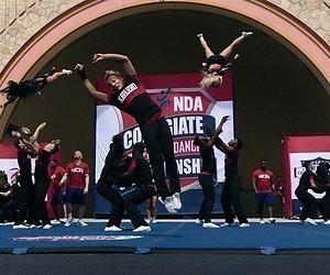 Netflix-tip: Cheerleaden is niet voor watjes, zoveel maakt Cheer wel duidelijk