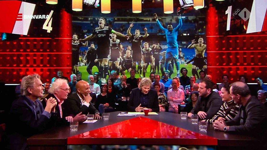 De TV van gisteren: 1,3 miljoen voor DWDD met omstreden Ajax-eerbetoon