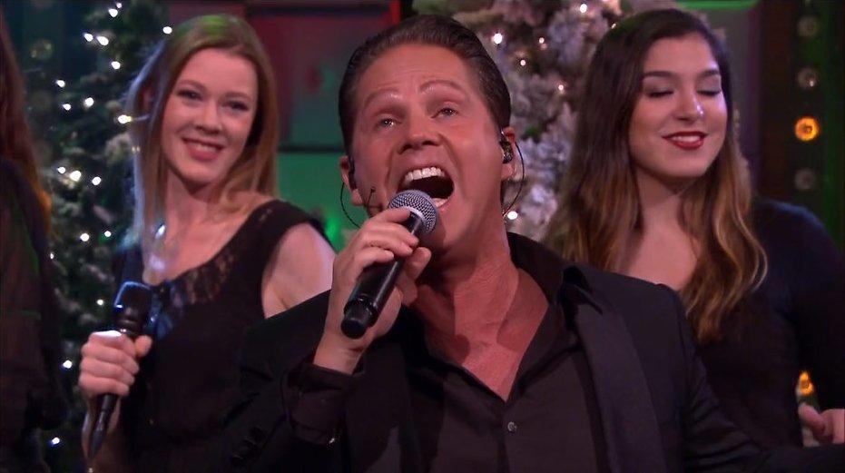 Videosnack: The Christmas Show medley bij RTL Late Night