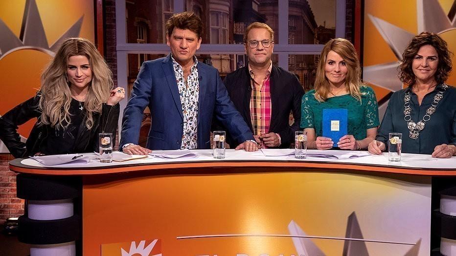 Elise Schaap, Maarten Heijmans, Carlo Boszhard, Ilse Warringa en Irene Moors als het team van RTL Boulevard