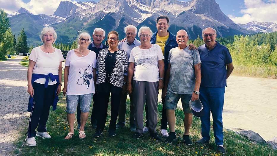 Dennis van der Geest gaat weer de wereld rond met 80-jarigen