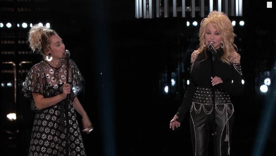 Videosnack: Dolly Parton zingt Jolene met Miley en Pentatonix