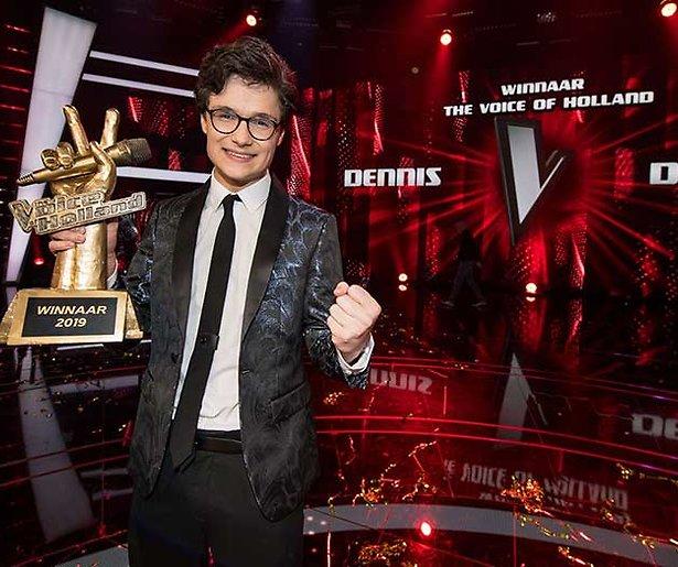 Dennis van The Voice of Holland vanavond bij RTL Late Night